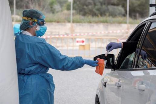 Recogida de muestras en Ibiza para detectar el coronavirus.