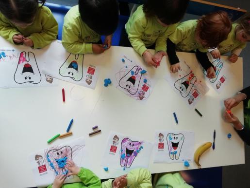 Imagen de un grupo de niños realizando una actividad.