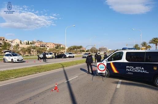 Control policial en Baleares.