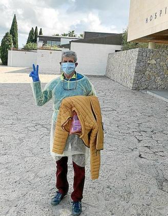 Jaume Roca al salir del Hospital.