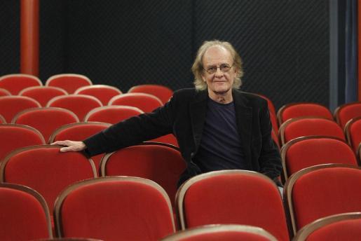 El cantautor Luis Eduardo Aute, en una imagen de archivo en el Auditòrium de Palma.