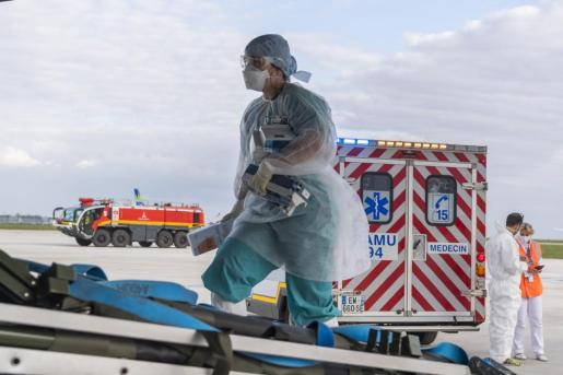 En las últimas 24 horas han fallecido 441 personas en hospitales.