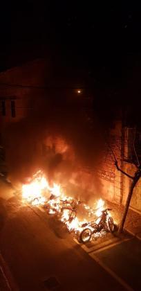 Imagen captada por los vecinos de las virulentas llamas.