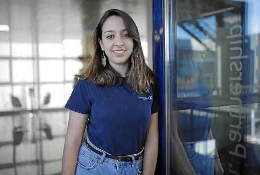 Camila Pérez, ingeniera informática.