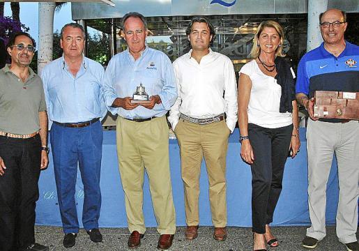 Emerico Fuster, José María Urrutia, Javier Sanz; el director del Club de Mar, José Luis Arrom; Victoria Escobar y Juan Besalduch.
