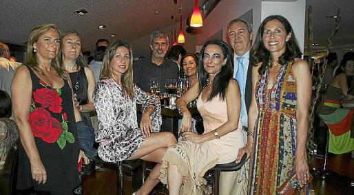 Ana García, Catalina Borrás Seguí, Consu Ramon, Arturo Kellner, María Comas, Sylvia Riera, Martin Aleñar y Catalina Borrás Amengual.