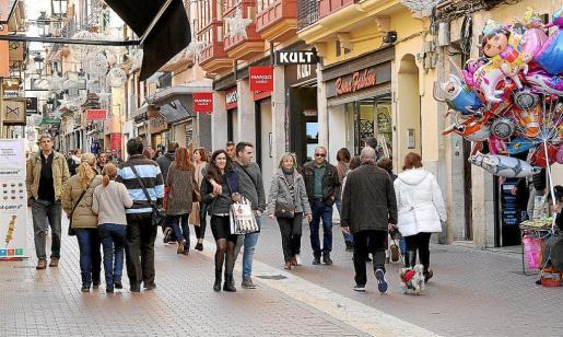 Una calle comercial de Palma.