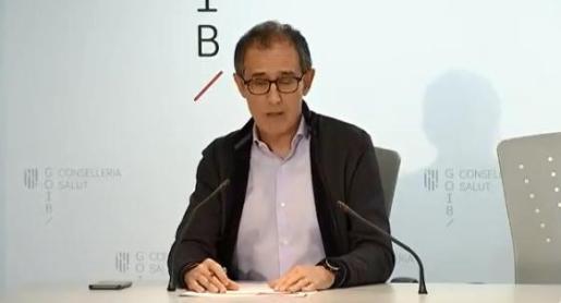 El portavoz del comité autonómico del coronavirus en Baleares, Javier Arranz, durante la rueda de prensa de este jueves.