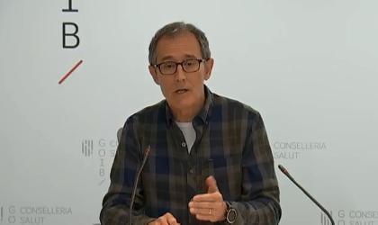 El experto del Comité de Gestión de Enfermedades Infecciosas de Baleares, durante la rueda de prensa ofrecida este sábado.