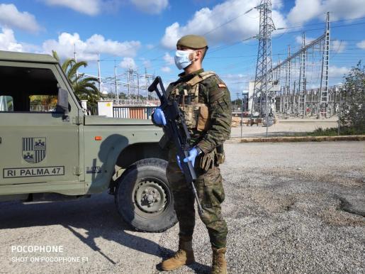 Imagen de archivo de una patrulla del Regimiento Palma 47 en el municipio de Llubí.