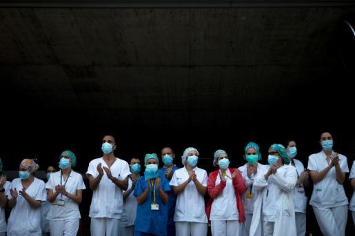 El personal sanitario reclama más protección frente al coronavirus.