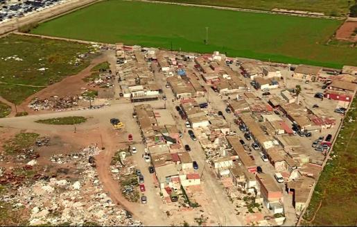 El 'Cóndor', helicóptero de la Policía Nacional, consiguió obtener imágenes de los incumplimientos de los residentes.