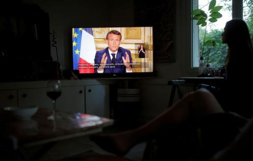Emmanuel Macron anunciando las nuevas medidas de confinamiento en Francia.
