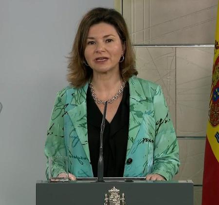 Captura de la señal institucional del Palacio de la Moncloa de la secretaria general de Transportes, María José Rallo del Olmo, durante la rueda de prensa.