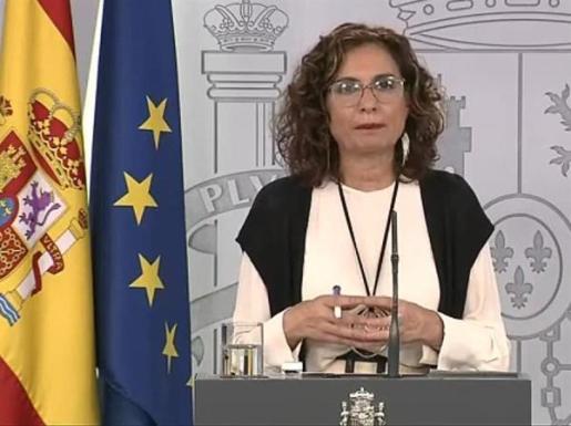 La portavoz del Gobierno, María Jesús Montero, en rueda de prensa.