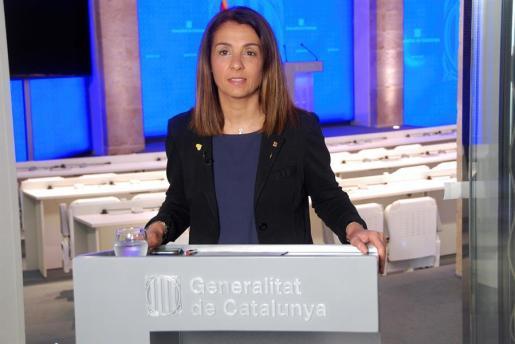 La consellera de la Presidencia, Meritxell Budó, da una rueda de prensa, este lunes en Barcelona.