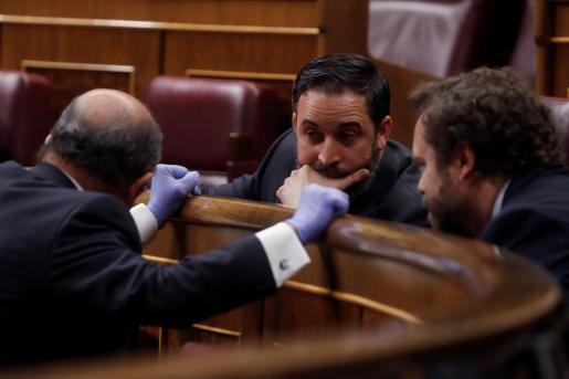 El líder de Vox, Santiago Abascal durante el pleno del Congreso.