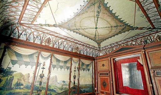 Vista general de la Cambra Pompeiana con las pinturas del siglo XIX que la decoran. n FOTOS: MIQUEL ÀNGEL CAÑELLAS