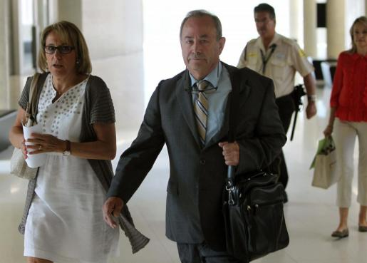 El juez del caso Palma Arena, José Castro, a su llegada esta mañana a la Ciudad de la Justicia, donde a partir de hoy tomará declaración a 62 testigos del caso Noos.