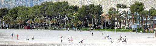 En las zonas costeras paseos y playas fueron los elegidos para esta primera jornada.