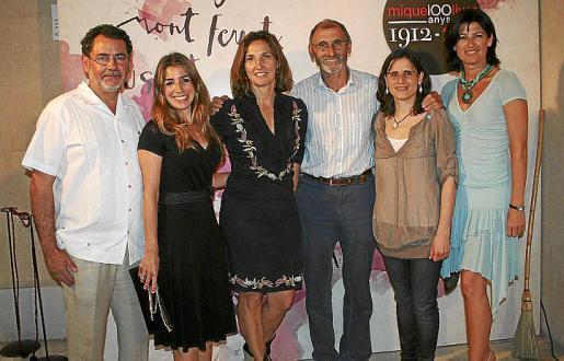 Eduardo Suárez del Real, Laura Calvo, Nuria Basilio, Andreu y Mireia Majoral y Silvia Piris.
