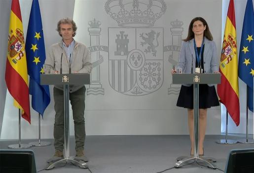 Fernando Simón y Raquel Yotti, en rueda de prensa.