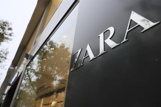 Zara prepara sus tiendas para abrir después del estado de alarma por coronavirus.