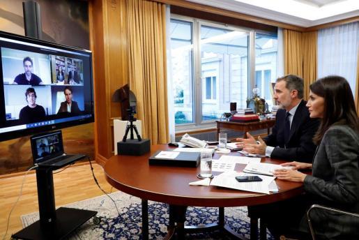 Los Reyes en videoconferencia con Nadal, Gasol y Alonso.