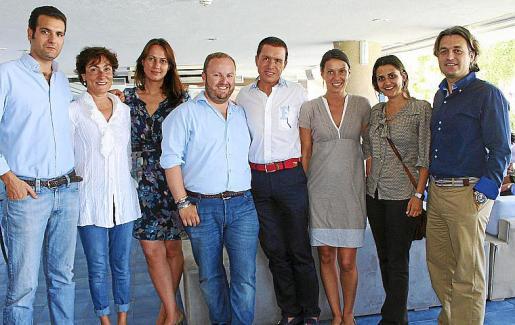 Miguel Conde, Neus Cortés, Mar Soler, Tommy Ferragut, Jaime Colomar, Susana Tejada, Cristina Martín y el director del Club de Mar, José Luis Arrom.