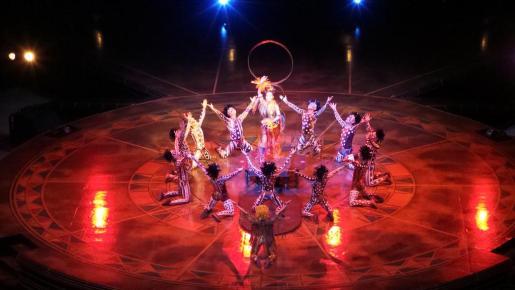 Cirque du Soleil y la Fundación One Drop unen fuerzas para presentar un especial de 60 minutos con números y actuaciones.
