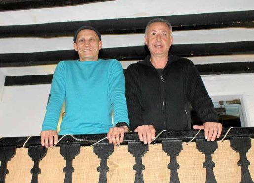 Antoni Gomila y Jesús Martínez recuerdan su manera de trabajar el día de las 'matances'.