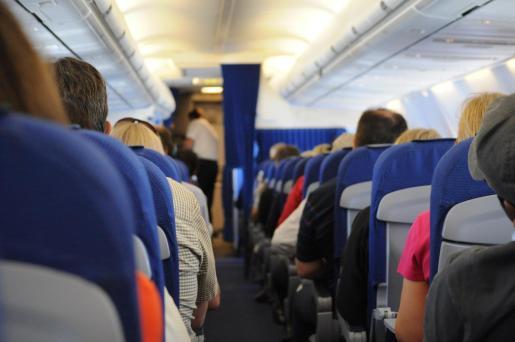 Aseguran que aplicar la obligatoriedad de mantener ciertos asientos vacíos en los vuelos podría reducir la capacidad de pasaje a un 62 %.