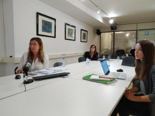 Patricia Gómez durante el ecuentro telemático con Salvador Illa.