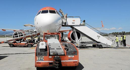 El movimiento de aviones ha bajado desde mediados de marzo más de un 95 % en el aeropuerto de Palma.