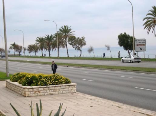 Cort abre zonas para los peatones.