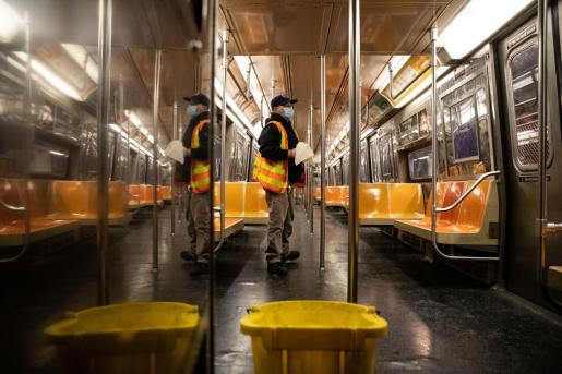 El Metro de Nueva York ha cesado su actividad este miércoles de madrugada por primera vez en sus más de cien años de historia.