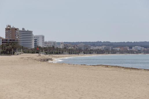 El Gobierno alemán no descarta que los alemanes puedan volver a las playas de Mallorca este verano.
