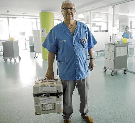 El doctor Julio Velasco, coordinador de trasplantes y jefe de UCI del hospital Son Espases.