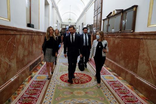 El líder del PP, Pablo Casado, llegando al Congreso.