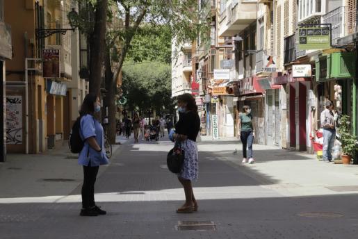 El uso de mascarillas se está extendiendo en Palma.