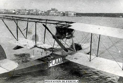 Imagen del hidroavión de Orté, tomada en Portocolom por 'es Mut Maceta'.