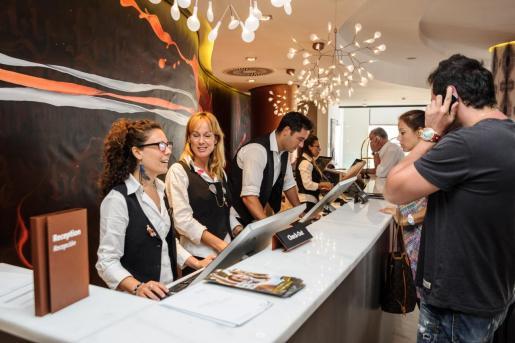 Imagen de archivo de la recepción de un hotel en Ibiza.