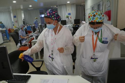 Trabajadores del Hospital Infanta Sofia, en Madrid.