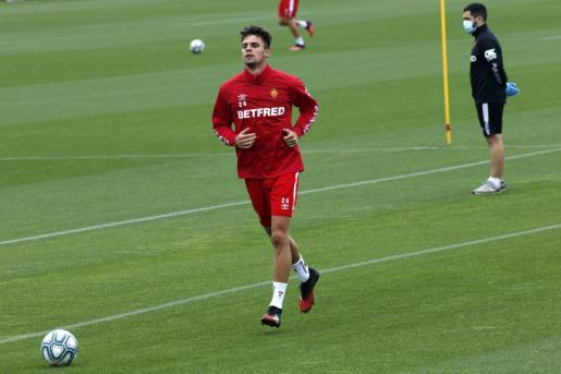 Martin Valjent, defensa del Real Mallorca, durante el entrenamiento del domingo en Son Bibiloni.