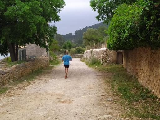 Los vecinos de Calvià han recuperado la finca para la practica del deporte.