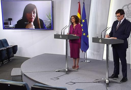 La portavoz del Ejecutivo y ministra de Hacienda, María Jesús Montero, y el ministro de Sanidad, Salvador Illa.