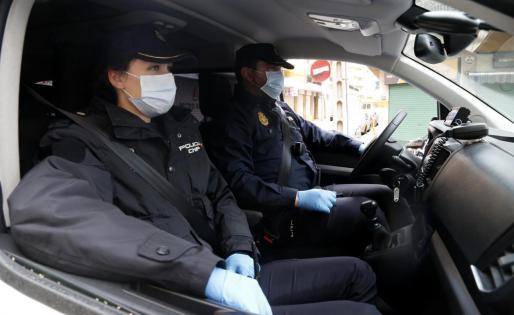 Agentes de la Policía Nacional procedieron a la detención de la sospechosa.