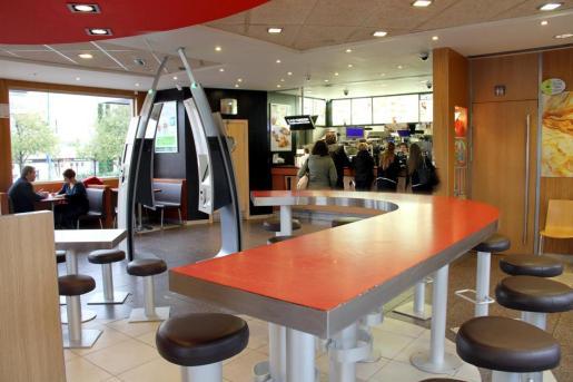Interior del McDonald's de Son Rapinya.