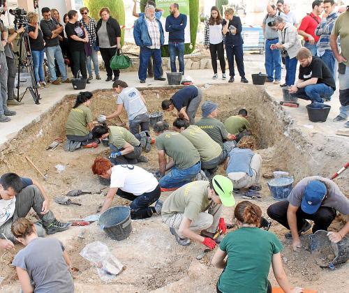 En noviembre de 2016 se hizo una intervención en el cementerio para encontrar y exhumar los cuerpos de personas asesinadas durante la Guerra Civil.
