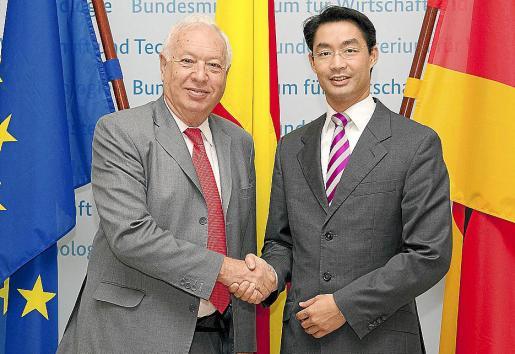 García-Margallo se reunió ayer en Berlín con el ministro alemán de Economía, Philipp Rösler.